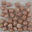 #07 - 10 Two-Hole Pyramid 6x6mm - alabaster teracota red