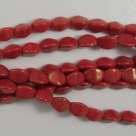 #48 - 50 Stck. Pinch-Bead 5x3mm - opak red/gold luster