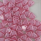 #31 10g Triangle-Beads 6mm - pearl coat pink