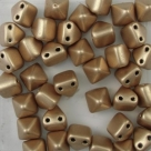 #15 - 10 Two-Hole Pyramid 6x6mm - matte met flax