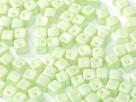 #04 25 Stück Crisscross Cube Ø 4 mm - Pastel Green