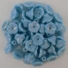 #05.17 25 Stück Trichterblüten 7x5 mm Opak Blue Rainbow