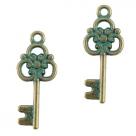 1 Schlüssel Boho 26x11 mm - antikbronze - grün patina