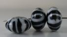 1 Stück Lampwork Bead Black & White -  ± Ø11x18 mm