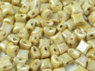 #02.04 25 Stck. 2-Hole Wibeduo 8mm Chalk White Dk Champagne Luster