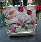 1 Tasche Tulpen Größe ohne Griffe ca. 45x45 cm, mit Griffe ca. 80cm Höhe