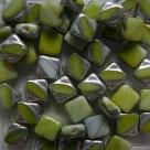 25 Stück Two-Hole Silky Beads 6mm - White/olive half labrador -