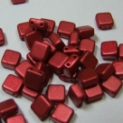 50 Stück Two-Hole Flat Square 6mm - lava red